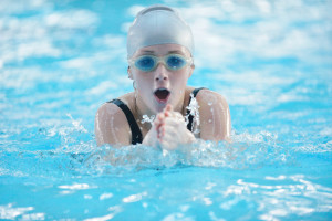 NSF brystsvømming jente